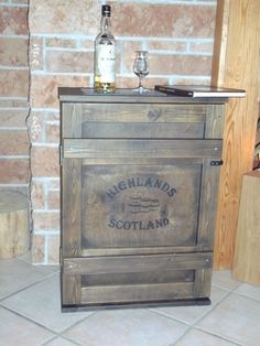 shabby alte frachtkiste couchtisch holzkiste truhe tisch vintage whisky wohnen truhen. Black Bedroom Furniture Sets. Home Design Ideas
