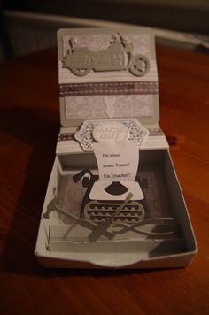 Schachtel mit einer Schublade für ein kleines Geschenk