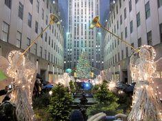 Straight Ahead, 30 Rock !!!  Rockefeller Center, NYC