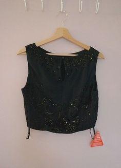 A vendre sur #vintedfrance ! http://www.vinted.fr/mode-femmes/hauts-and-t-shirts-crop-tops/21909492-crop-top-de-soiree-asos-brode-de-sequins