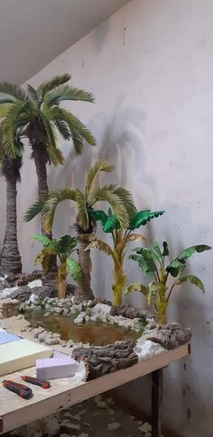 Banana plants for Bethlehem - Oscar Wallin Nativity House, Christmas Nativity, Christmas Diy, Christmas Decorations, Christmas Ornaments, Frame By Frame Animation, Banana Plants, Mermaid Under The Sea, Christmas Villages