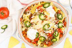 Nacho's met gehakt en kaas uit de oven Tapas, Tortilla Chips, Tex Mex, Nachos, Allrecipes, Vegetable Pizza, Guacamole, Potato Salad, Potatoes
