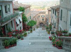 """La Piaggia, with the """"Pozzo della Polenta"""".Have you ever been there?"""