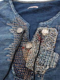 Boro - /sandrinebron/broderie-embroidery/ BACK Shibori, Boro, Denim Fashion, Fashion Outfits, Slow Fashion, Estilo Jeans, Make Do And Mend, Sashiko Embroidery, Mode Jeans