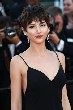 """Ursula Corbero – """"Everybody Knows"""" Premiere and Cannes Film Festival 2018 Opening Ceremony Pixie Hairstyles, Pretty Hairstyles, Pixie Haircuts, Short Hair Cuts For Women, Great Hair, Pixies, Hair Dos, Hair Trends, Hair Inspiration"""