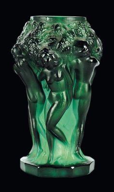 Moulded crystal vase, by Heinrich Hoffman, circa 1935 #ArtDeco #vase #HeinrichHoffman