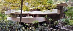 FALLINGWATER HOUSE. de Frank Lloyd Wright