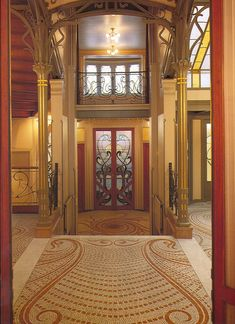 Hotel Tassel entrance, Brussels, Belgium built by Victor Horta.The first true art nouveau building? Architecture Art Nouveau, Art Nouveau Interior, Design Art Nouveau, Art And Architecture, Architecture Details, Belle Epoque, Art Nouveau Arquitectura, Jugendstil Design, Brussels Belgium