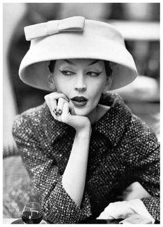 Dovima in Balenciaga hat.