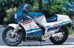 RG 500 Gamma - Suzuki - 1986 I owned one wow did it go 100mph wheeling in second gear