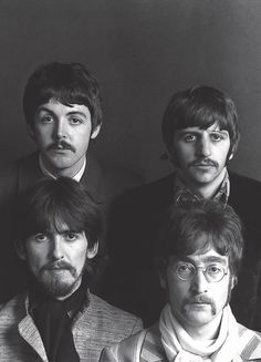 The Beatles - Sgt Pepper's Lonely Hearts Club Band Super Deluxe Edition Foto Beatles, Beatles Poster, Les Beatles, Beatles Art, Beatles Photos, Beatles Guitar, Ringo Starr, John Lennon, Liverpool