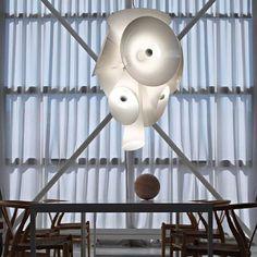 Luminária Nebula, da Flos. Design de Joris Laarman. #design #luminárias #formas #lamps #shapes #iluminação #lighting #lightingdesign #lamp #interior #interiores #artes #arts #art #arte #decor #decoração #architecturelover #architecture #arquitetura #projetocompartilhar #davidguerra  #shareproject #nebula #flos #jorislaarman