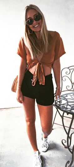 #fall #outfits Camel Crop Top + Black Short