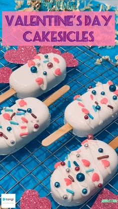 Make the perfect Valentine's Day dessert - these cute and easy cakesicles! (Almost identical to cake pops 👍) Super easy to do with a cake mix, candy melts, sprinkles, and a silicone mold! Valentines Baking, Valentine Desserts, Valentine Cake, Cute Desserts, Valentine Treats, Valentines Cakes And Cupcakes, Cake Pop Decorating, Cake Decorating Videos, Cake Decorating Techniques