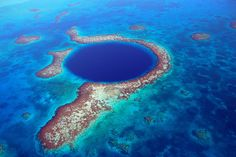 Great Blue Hole in the Lighthouse Reef, Belize