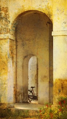 Bicycle at the Arch on a sunny summer day by Anastasiya Kononenko onFivehundredpx Bicycle at the arch, Madras, India Maldives, Sri Lanka, City By The Sea, Dslr Background Images, Amazing India, Visit India, Chiaroscuro, World Best Photos, My Land