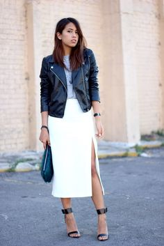 I love this white side split skirt! The Midi Skirt and Leather Jacket Combo Is One Youll Want to Try ASAP - chic white side split midi skirt worn with a graphic t-shirt + moto jacket White Skirt Outfits, Maxi Skirt Outfits, White Skirts, Midi Skirt, White Maxi, Steve Madden, Fashion 2018, Womens Fashion, Split Skirt