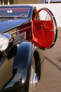 Iconic Classic – 1925/34 Rolls-Royce Phantom I - Round Door Aero Coupe
