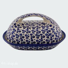 Butter dish in pattern that looks like bubbles in water, nice! Polish pottery