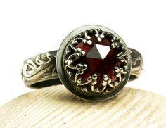 Vintage stijl Garnet Ring, Ring van de Renaissance, gotische stijl sieraden, natuurlijke edelsteen Ring
