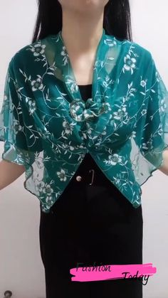 Ways To Tie Scarves, Ways To Wear A Scarf, How To Wear Scarves, Fashion Sewing, Diy Fashion, Ideias Fashion, Fashion Outfits, Diy Belt For Dresses, Stylish Dresses