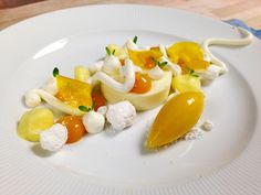 Pineapple Custard, Coconut Whipped Panna Cotta, Passion Fruit Sorbet, Mango Gel, Coconut Rock, Mango Glass!! my favorite RIGHT NOW!!!!!!!!! | Flickr - Photo Sharing!