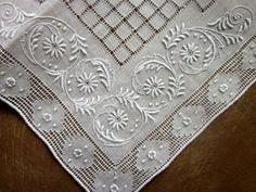 Vintage Ladies Hankie -Hand Embroidery Drawn Threads Linen Hemstitch