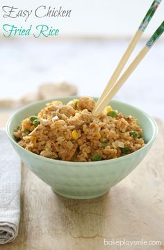 A quick and easy Chicken Fried Rice recipe using leftover roast chicken. This is a perfect option for a delicious midweek family dinner. Recipe Using Leftover Roasted Chicken, Chicken Fried Rice Recipe Easy, Leftover Chicken Recipes, Roast Chicken Recipes, Leftovers Recipes, Fried Chicken, Dinner Recipes, White Rice Recipes, Dinner Dishes