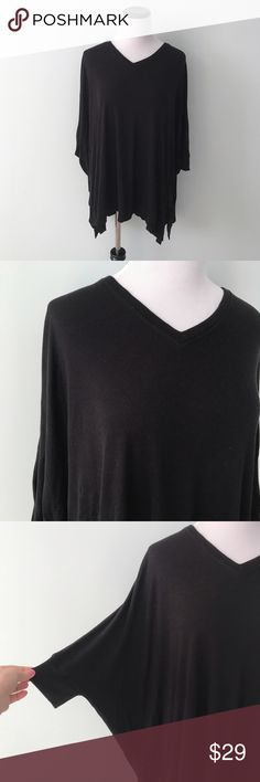 BORDEAUX Black oversized dolman sleeve Top Black ribbed top with dolman sleeves. Oversized in size XS/S. Bordeaux Tops