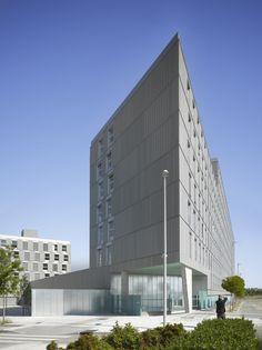 Arch: Francisco Mangado. Housing in valdebebas. EQUITONE facade materials. equitone.com