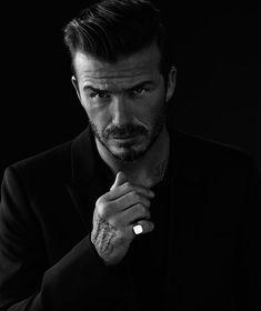 David Beckham by Photographer Anthony Mandler Studio Photography Poses, Portrait Photography Men, Studio Portraits, Pose Portrait, Dark Portrait, Male Models Poses, Male Poses, Shooting Studio, Corporate Headshots