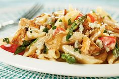 This Penne with Grilled Chicken, Gorgonzola, Asparagus and Caramelized Onions is a weeknight-quick dish that tastes like special-occasion fare.