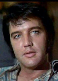 {*Gorgeous Elvis*}
