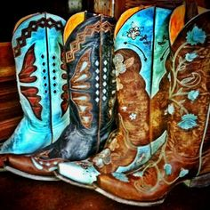 Turquoise cowboy boots are the best. These are beautiful! #cowgirlboots #fashion