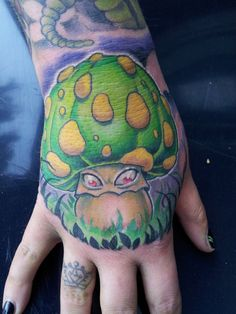 Green Monster Mushroom Tattoo on the Hand Hand Tattoos, Bee Tattoo, Cool Tattoos, Awesome Tattoos, Alibata Tattoo, Manos Tattoo, Knitting Tattoo, Wizard Tattoo, Inktober