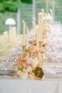 Suchst Du Ideen für Deine Gartenhochzeit? Hier findest Du tolle Tipps und Inspirationen rund um Deine Hochzeit unter freiem Himmel, die Dir bei Deiner Hochzeitsplanung helfen. Klicke hier und hol Dir Ideen für Dein Brautkleid, die Tischdeko, eine Zelt Hochzeit, das Getting Ready oder die stilvolle Hochzeitsdeko! Fotos: Heike Moellers Photography #Gartenhochzeit #Hochzeitsplanung #WhiteWeddingMag