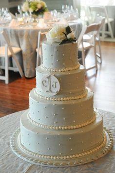 Polka-dot Wedding CakKeywords: #weddings #jevelweddingplanning Follow Us: www.jevelweddingplanning.com  www.facebook.com/jevelweddingplanning/