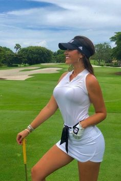 Sexy and Fit Babes Girls Golf, Ladies Golf, Women Golf, Sexy Golf, Le Jolie, Female Athletes, Female Golfers, Golf Fashion, Golf Outfit