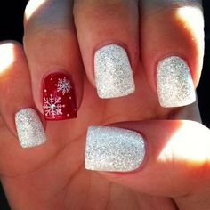 Who doesn't love properly manicured and well-groomed christmas nails. Ensuring you get as creative with your christmas nails as you are with your clothes is the industry of christmas nail art designs. Snowflake Nail Design, Snowflake Nails, Christmas Nail Art Designs, Winter Nail Designs, Christmas Design, Cute Christmas Nails, Xmas Nails, Red Nails, Christmas Ideas