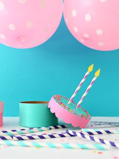 New diy box birthday fun Ideas Diy Gift Box, Diy Box, Diy Gifts, Gift Boxes, Cake Boxes, Birthday Cake Gift, Gift Cake, Diy Birthday Box, Diy Paper
