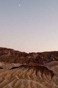 Balso - Zabriskie Point, Death Valley National Park, California Source by secretbeegarden - Nature Aesthetic, Brown Aesthetic, Travel Aesthetic, Desert Aesthetic, Pink Aesthetic, Beautiful World, Beautiful Places, Photos Voyages, Parcs