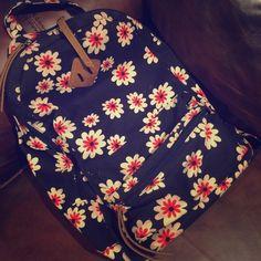 Floral backpack Adjustable straps, front pocket, inside pocket, and two little holders inside. Very stylish Bags Backpacks