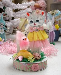 Vintage Inspired Easter SuGaR SwEeT Spring Keepsake EASTER GARDEN Diorama Miss Kitty Cat