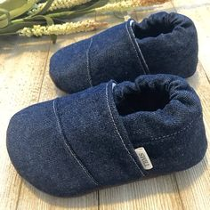 Be sure to check the shop announcement for the latest coupo Best Baby Shoes, Baby Girl Shoes, Baby Boy Outfits, Baby Shoes Pattern, Shoe Pattern, Cool Baby, Baby Moccasins, Toddler Moccasins, Baby Sewing Projects