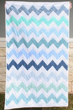 Chevron quilt - easy peasy or so the directions say! Might try one.