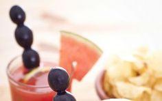 Aperitivo all'anguria con il Bimby - Ricetta per preparare l'aperitivo all'anguria con il Bimby, un cocktail gustoso ed alcolico al punto giusto, per trascorrere l'happy hour con gli amici in allegria.