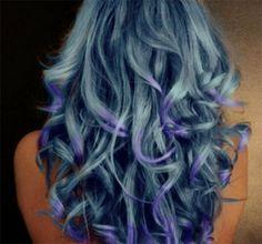 capelli azzurri e viola
