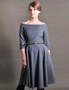 Knielange Kleider - Z.O.L.A Kleid mit Carmenausschnitt - ein Designerstück von Femkit bei DaWanda