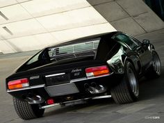 De Tomaso Pantera GT5 S | 1971–1991 7260 produced Designer Tom Tjaarda under Ghia Marcello Gandini - Pantera SI. Engine build a Ford Cleveland 5.7 L V8, power output 246 kW, weight 1,417 kg. Max Speed of 256 km/h.