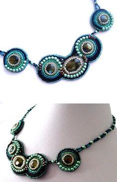 Collier labradorites et perles brodées vert (vendu)